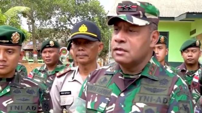 VIVA Militer: Letjen TNI Herman Asaribab