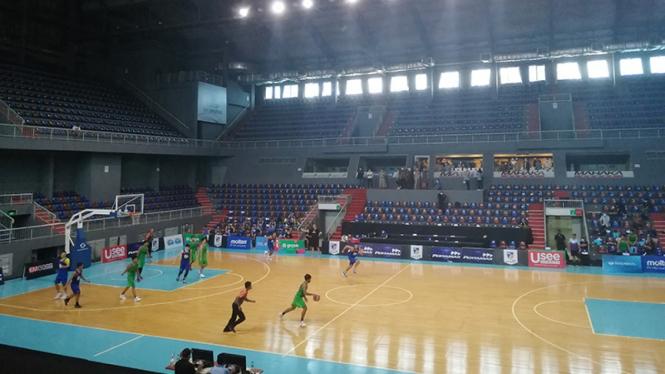 Simulasi penyelenggaraan  Indonesian Basketball League (IBL).