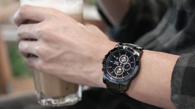 Ilustrasi jam tangan pria.