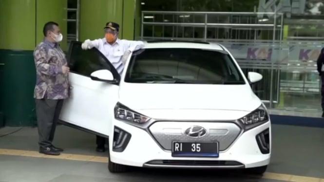 Calon mobil dinas baru Menteri Perhubungan, Budi Karya Sumadi