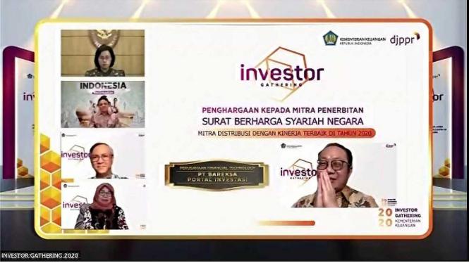 Bareksa juga meraih penghargaan Mitra Distribusi Surat Berharga Syariah Negara Terbaik 2020, dalam dua tahun berturut-turut.
