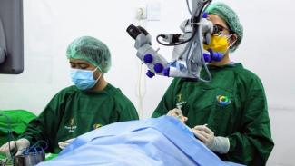 Bantuan Kemensos berupa pengobatan dan operasi katarak gratis