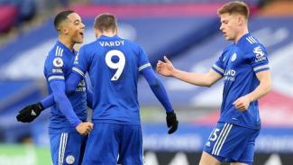 Pemain Leicester City merayakan gol ke gawang MU