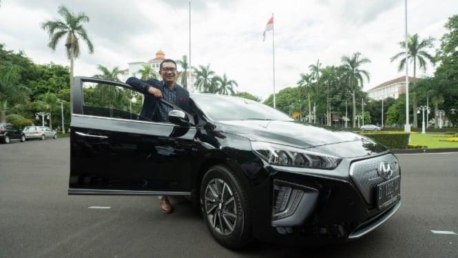 Gubernur Jawa Barat RIdwan Kamil pilih mobil listrik jadi kendaraan dinas.