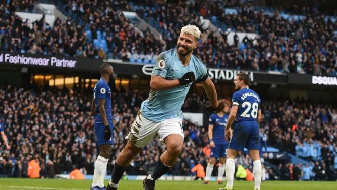 Selebrasi Sergio Aguero saat membobol gawang Chelsea