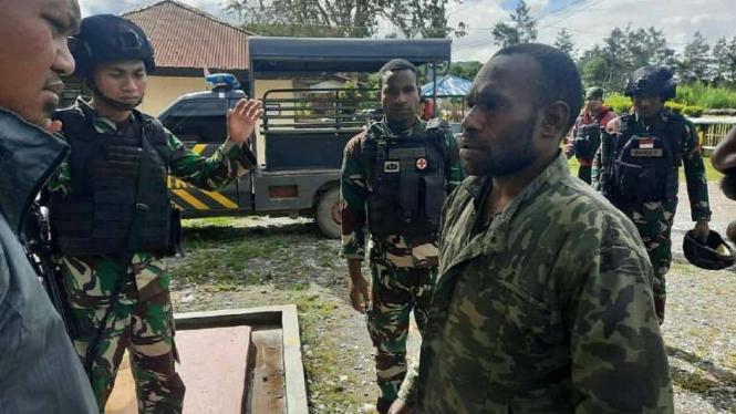 VIVA Militer: Rampok alias begal sadis  yang diringkus Yonif Para Raider 432