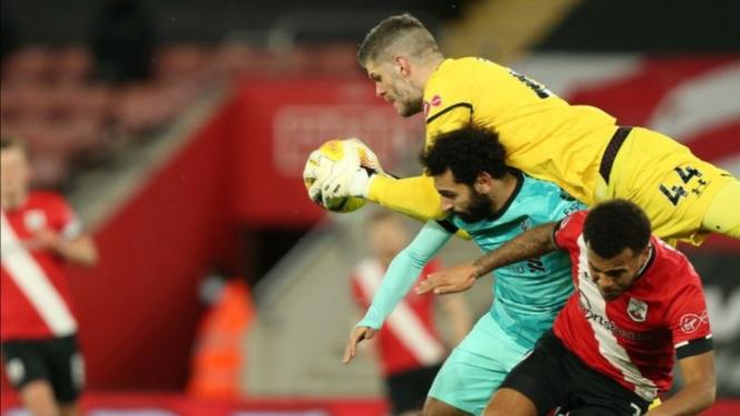Pertandingan Southampton vs Liverpool.