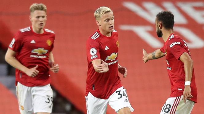 Gelandang Mancester United, Donny Van de Beek dan Bruno Fernandes