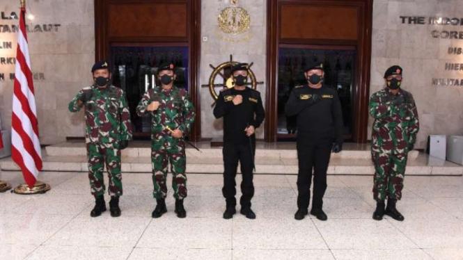 VIVA Militer: Panglima TNI hadiri penyerahan Brevet Kehormatan untuk Kapolri