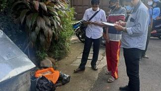 Balita ditemukan di tepi jalan Gandaria Selatan, Jakarta Selatan.