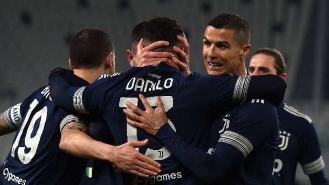 Cristiano Ronaldo dan para pemain Juventus merayakan gol
