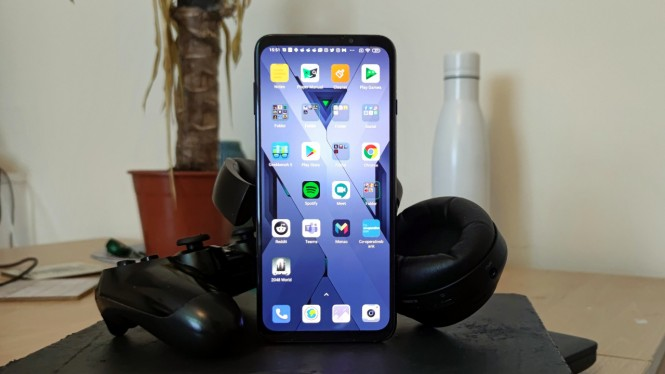 Ponsel Xiaomi Black Shark 3