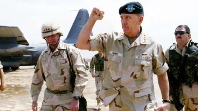 VIVA Militer: Eks Komandan Operasi Badai Gurun Pasukan AS, Jenderal Tommy Franks