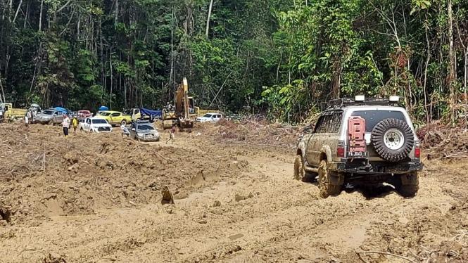 Jalan Trans Papua ruas Jayapura-Wamena