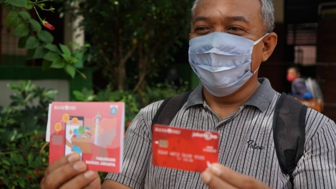 Penerima bantuan sosial tunai DKI Jakarta.