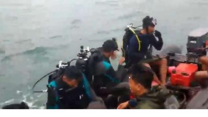 VIVA Militer: Denjaka Marinir TNI AL lanjutkan operasi SAR Sriwijaya SJ182
