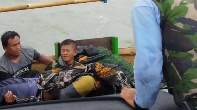 VIVA Militer: Anggota Kopaska TNI Angkatan Laut temukan mayat Firman