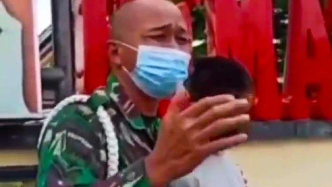 Prajurit TNI menangis