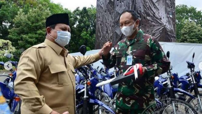 VIVA Militer: Menhan RI Prabowo Subianto serahkan motor operasional TNI ke Kasau