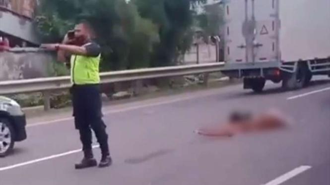 Foto viral mayat di tengah jalan tol arah Bandara Soekarno-Hatta
