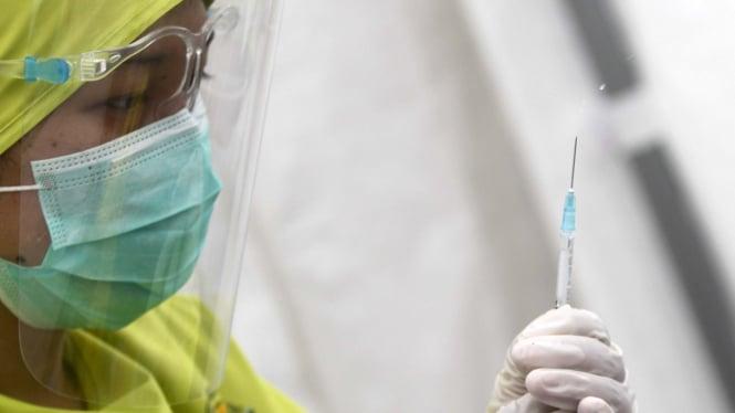 Ilustrasi Penyuntikan Vaksin COVID-19.
