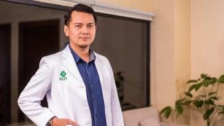 dr. Edo Wira Candra, Sp.THT-KL, M.Kes, FICS dari RSPI