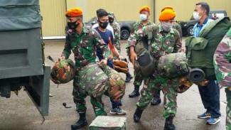 VIVA Militer: Paskhas TNI AU terbang ke Majene.