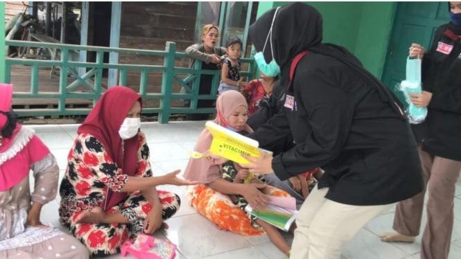 mahasiswa yang sedang melakukan Pengabdian pada Masyarakat oleh Mahasiswa (PMM) Universitas Muhammadiyah Malang (UMM) kelompok 27 gelombang 13 dibawah bimbingan Bapak Kepala Desa Abdul Malik selaku kepala Desa Bagendang Hilir berinisiatif untuk melakukan
