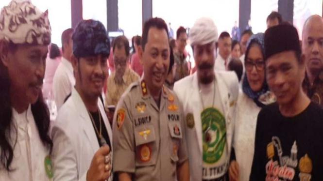 Komjen Listyo Sigit saat bertemu jawara Banten
