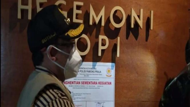 Wali Kota Malang, Sutiaji menyegel kafe karena buka melebihi jam malam