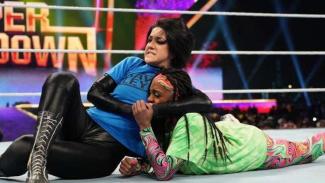 Duel WWE Bayley vs Naomi di Arab Saudi.