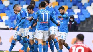 Napoli mengamuk membantai Fiorentina