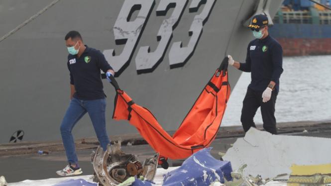 Pencarian Korban Sriwijaya Air Diperpanjang