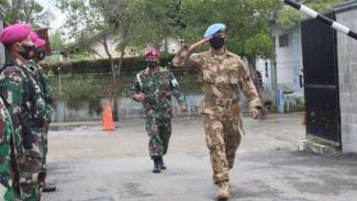 VIVA Militer: Koptu (Mar) Erly Sandy selesai penugasan dari Libanon