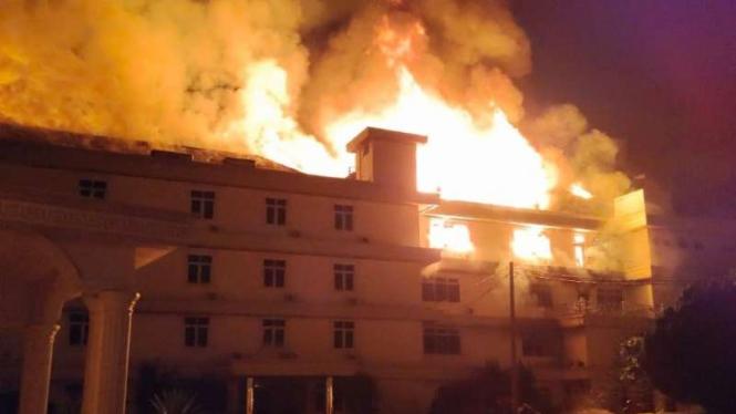 Kebakaran hotel bintang 4 di Jambi