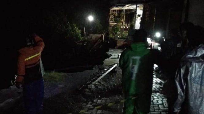 Tanah longsor terjadi di Malang dan makan korban