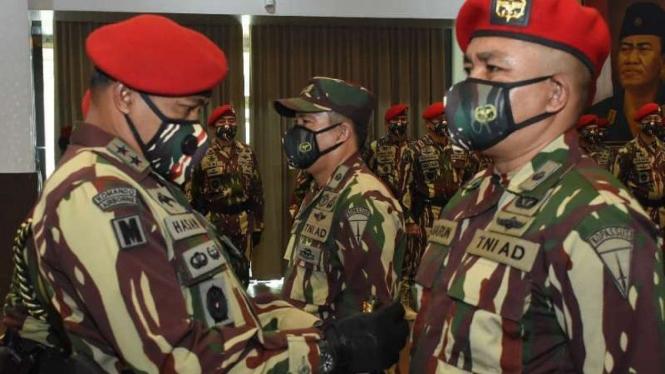 VIVA Militer: Danjen Kopassus lantik Letkol TNI dr Saharun.