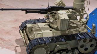VIVA Militer: Robot tempur Tentara Pembebasan Rakyat China (PLA)