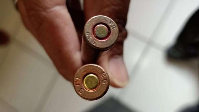 Amunisi atau peluru senjata jenis AK-47 yang dibawa penumpang Susi Air.