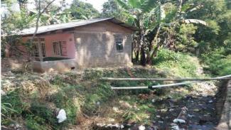 Rumah yang berada di pinggiran aliran sungai ciliwung yang kerap banjir (Dok.Pribadi Irwan)