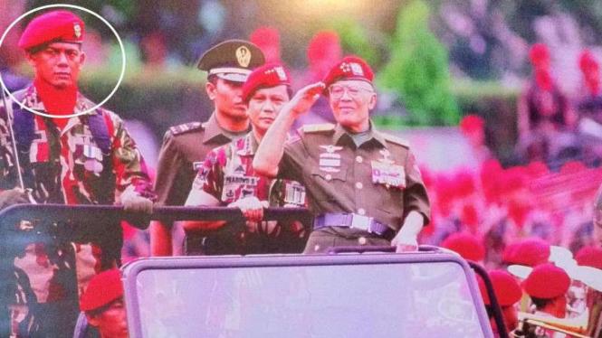 VIVA Militer: Letjen TNI Doni, Letjen TNI PS dan Jenderal Besar AHN