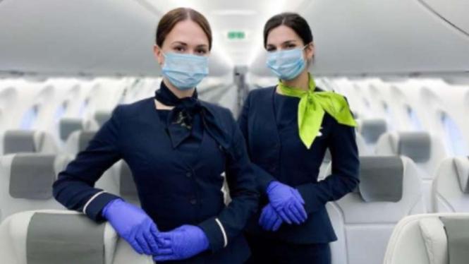 Pramugari Air Baltic saat pandemi COVID-19.