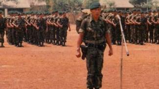 VIVA Militer: Letjen TNI (Purn.) Sutiyoso (kiri) saat masih berdinas