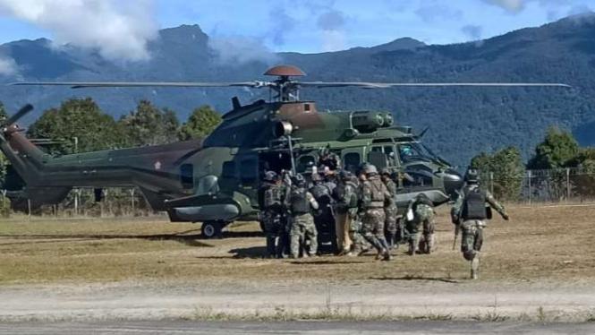VIVA Militer: Evakuasi Prajurit Banteng Raiders.