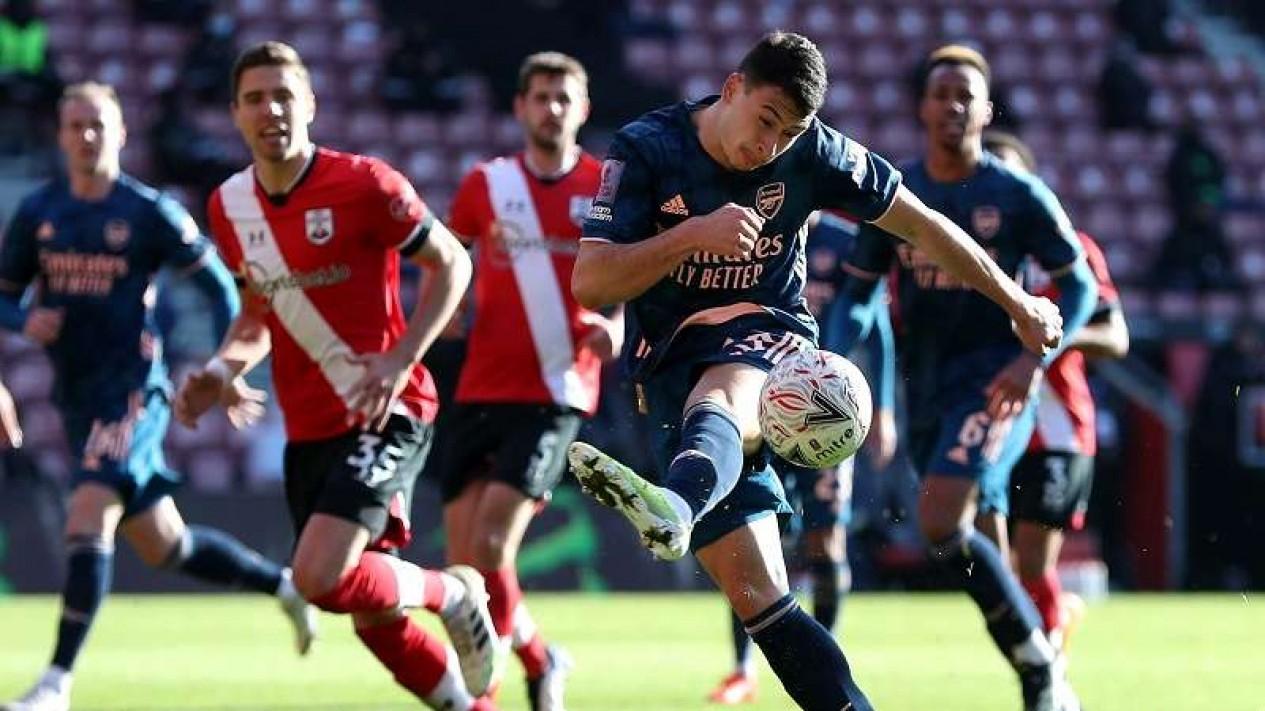 Duel Arsenal versus Southampton