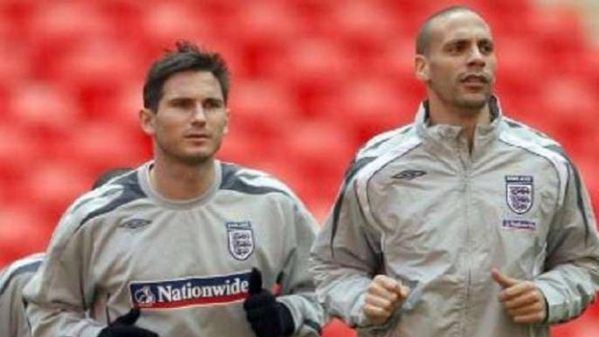 Frank Lampard dan Rio Ferdinand saat di Timnas Inggris