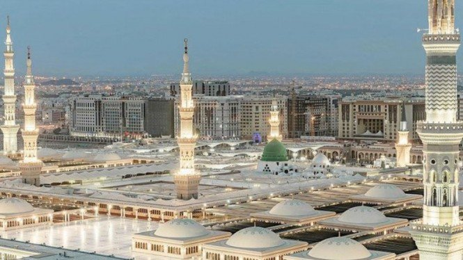 Masjid Nabawi di Kota Madinah Arab Saudi