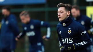 Mesut Oezil saat menjalani latihan bersama Fenerbahce