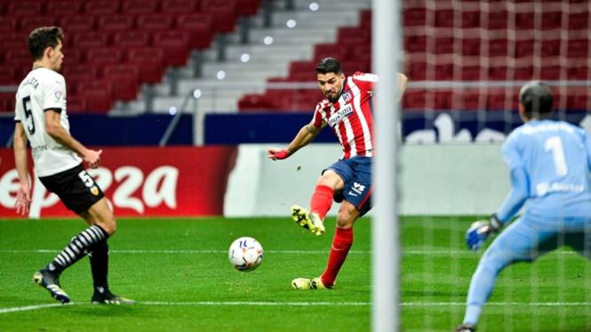 Luis Suarez cetak gol dalam laga Atletico Madrid melawan Valencia