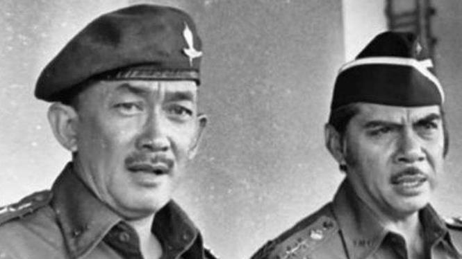 VIVA Militer: Letjen TNI (Purn.) Solihin G.P (kiri)